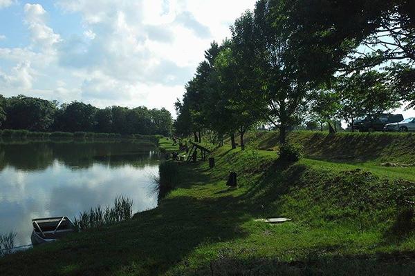 A Kápolnásnyéki horgászcentrum fotója.